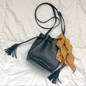 Handbags - Bucket Crossbody Bag